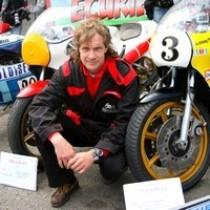 G Armand collectionneur de motos de compétition