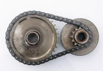 Pignons moteur-récepteur et chaîne